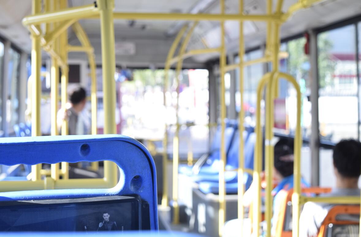 公交车司机一天上班上几个小时,司机上班时间介绍